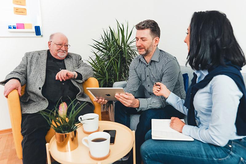 team-meeting-safir-gmbh-entwicklung-software